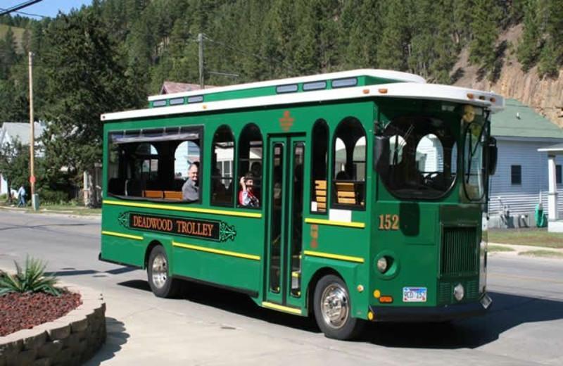 Trolley tours at Cedar Wood Inn.