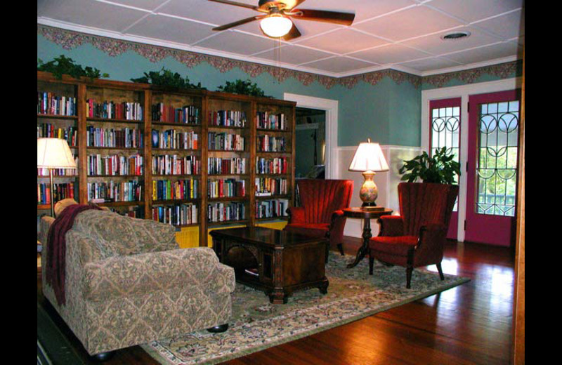 Living room at San Gabriel House B & B.