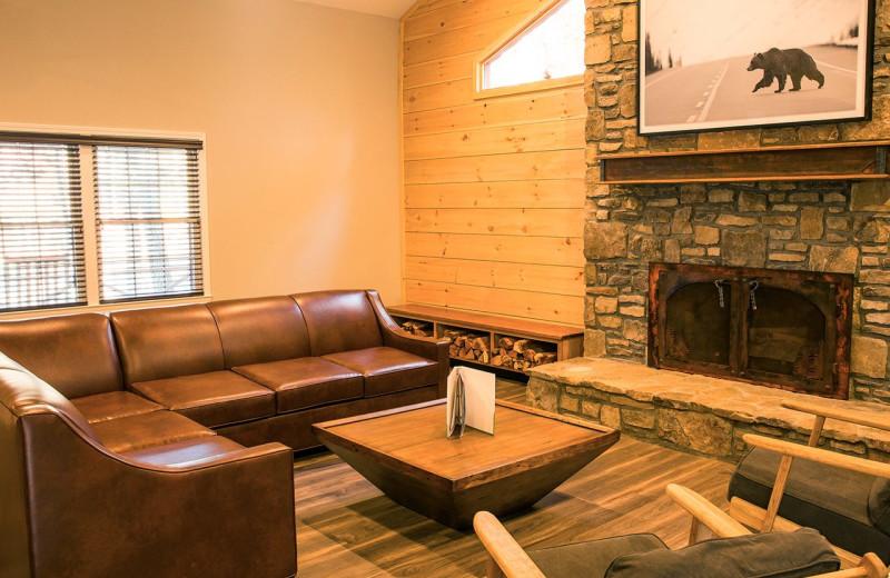 Cabin living room at Yogi Bear's Camp Golden Valley.