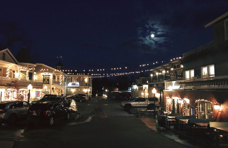 Night view of Grand Harbor Inn.