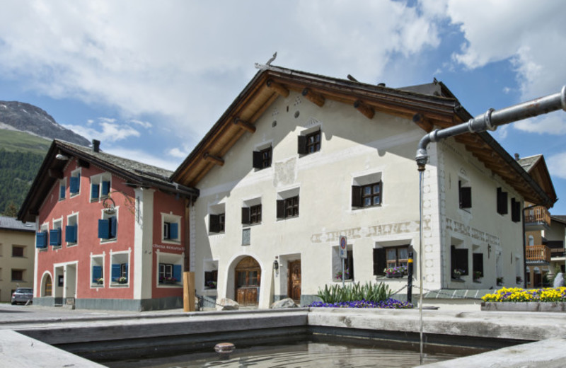 Exterior view of Hotel Chesa Rosatsch.