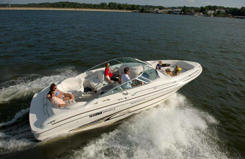 Boating at Your Lake Vacation/Al Elam Property Management.