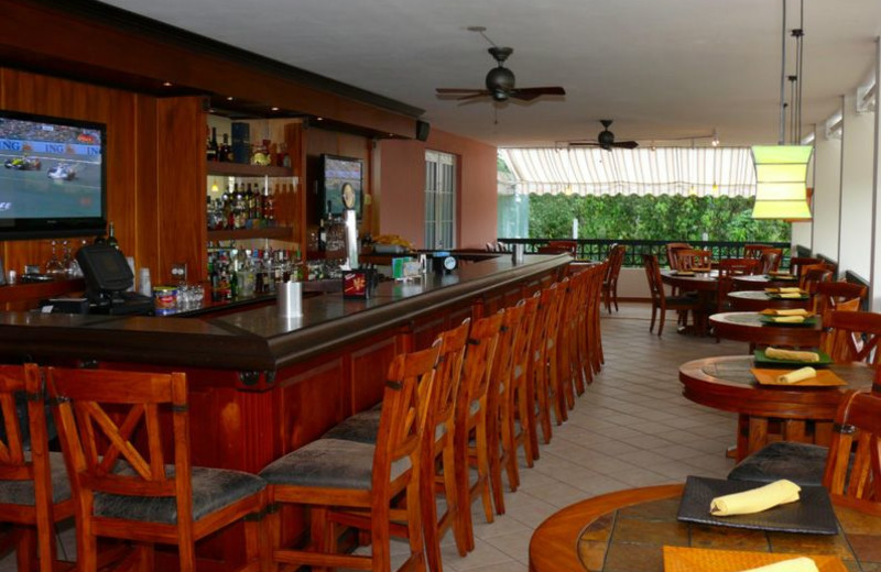 Dining at Cidra Country Club.