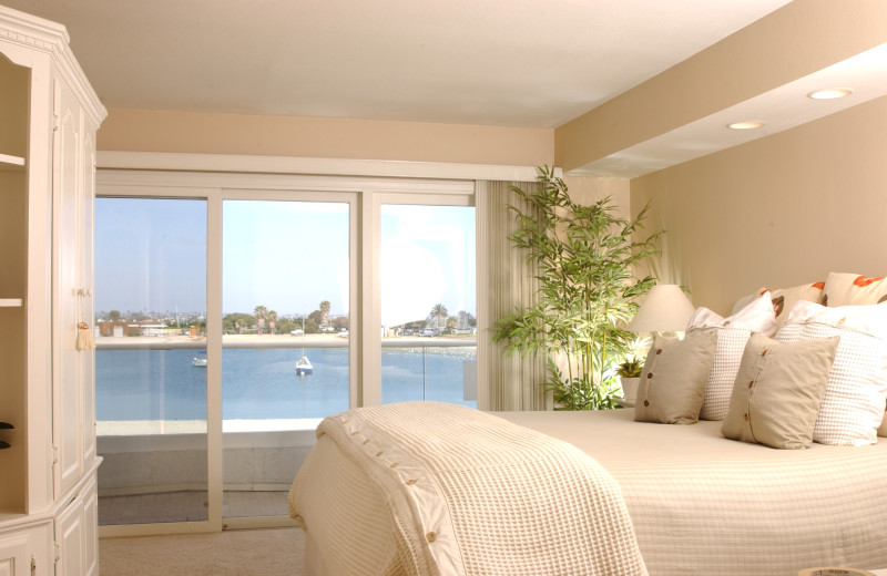 Rental bedroom at Beach and Bayside Vacations.