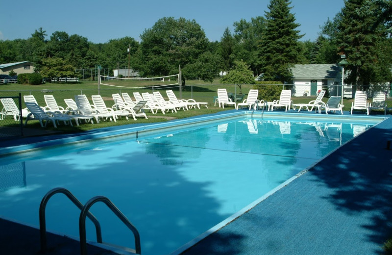 Outdoor pool at Chestnut Grove Resort.