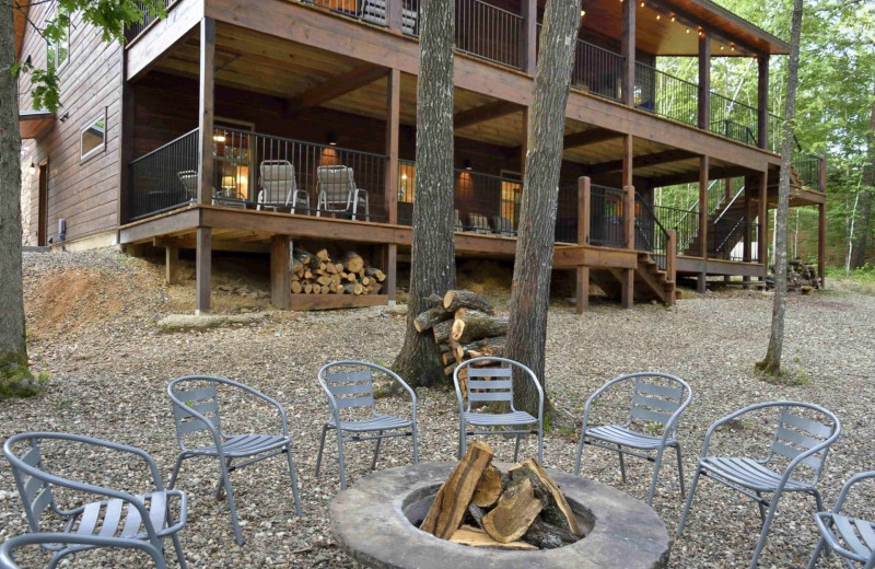 Rental fire pit at White Glove Luxury Cabins.