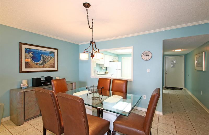 Rental dining room at Shoreline Towers.