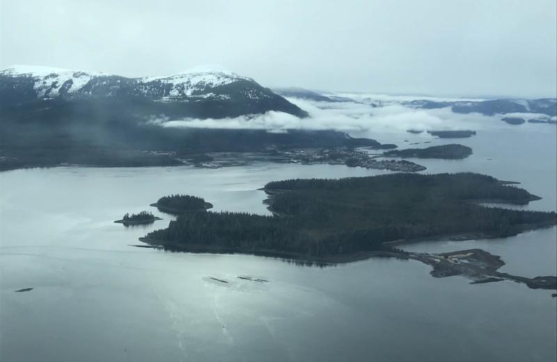 Aerial view of Screamin' Reels Lodge.