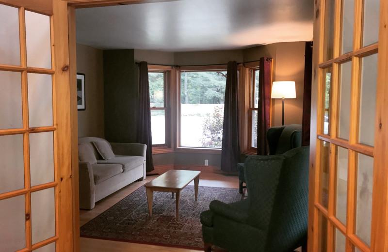 Cottage living room at Patterson Kaye Resort.