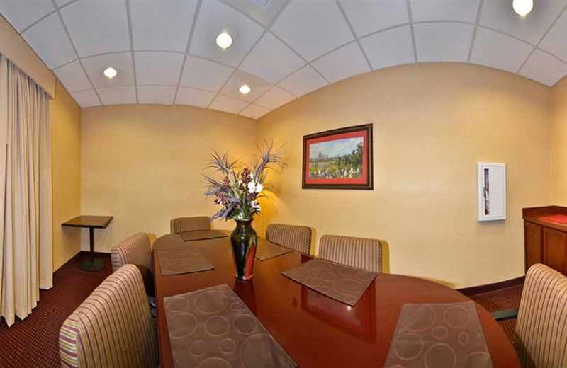 Meeting room at Comfort Suites - Twinsburg.