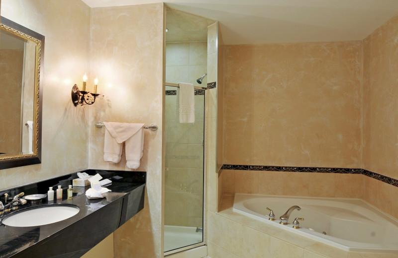 Guest bathroom at Eganridge Resort, Country Club & Spa.