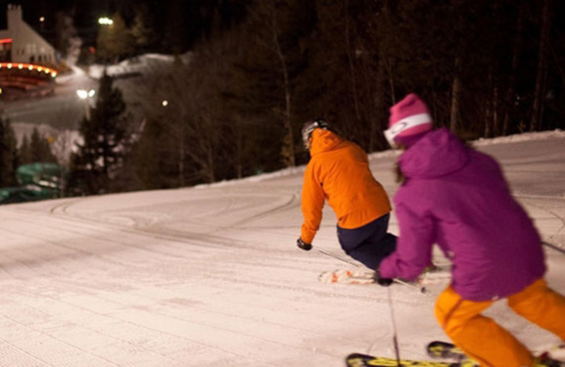 Downhill Skiing at Complexe le 60