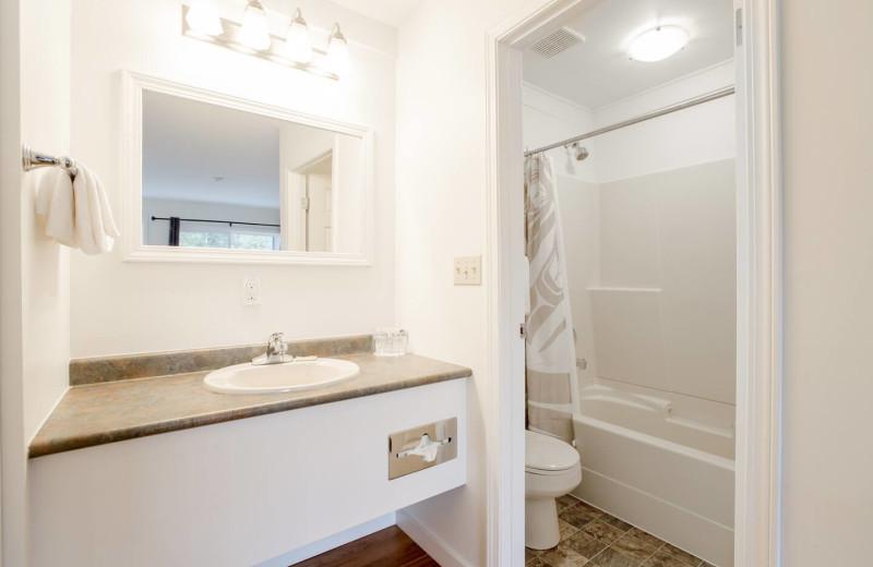 Guest bathroom at Lund Resort at Klah ah men.