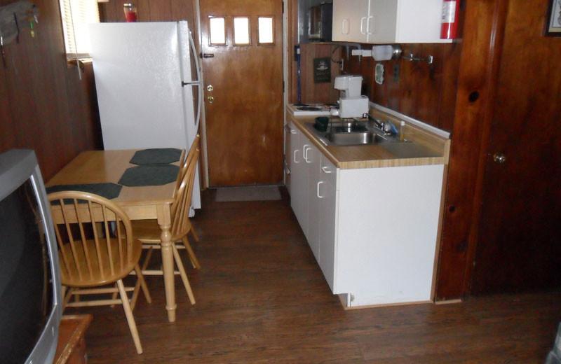 Cottage kitchen at King Creek Resort & Marina.