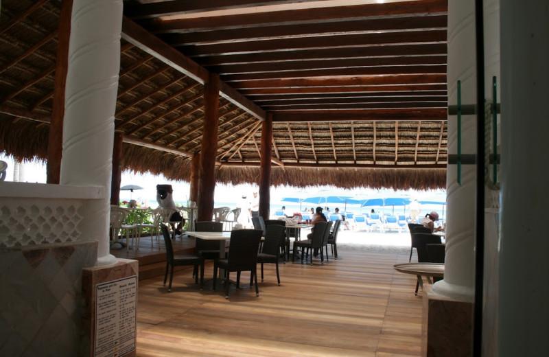 Bar view at Hotel Alhambra.