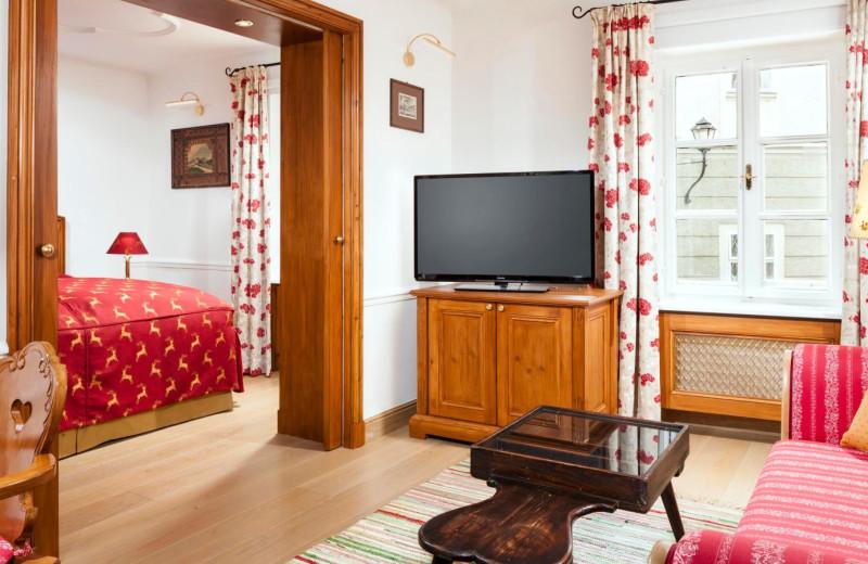 Guest room at Hotel Goldener Hirsch.
