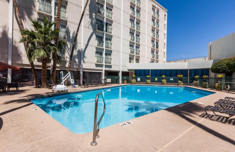 Outdoor pool at Hilton Garden Inn Phoenix Midtown.