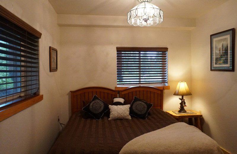 Guest bedroom at Salmon Catcher Lodge.
