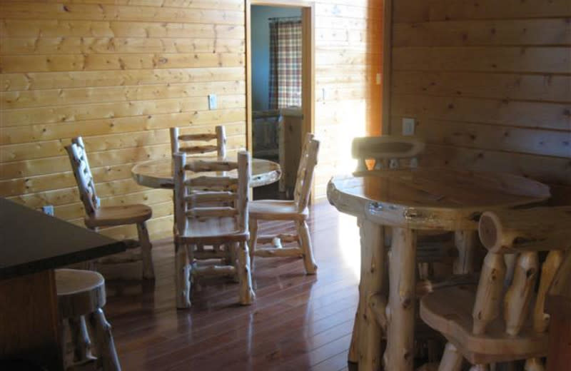 Moonlight Bend Cabin will sleep 8 guests and seat 8 for dinner too at Red Cedar Lodge.