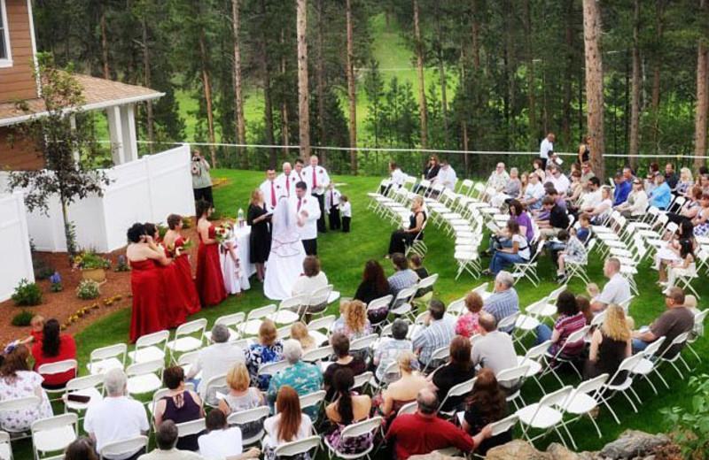Wedding ceremony at Summer Creek Inn & Spa.