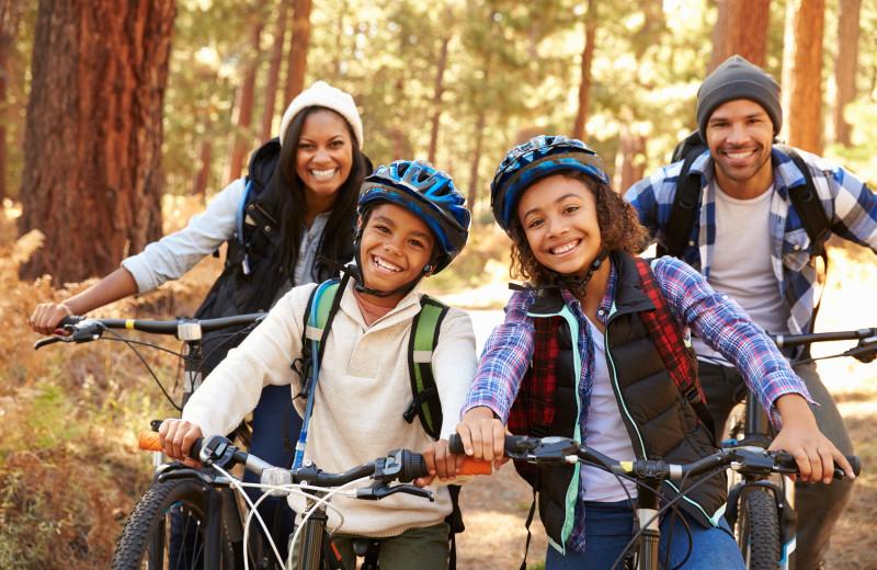 Family mountain biking at Keweenaw Mountain Lodge.