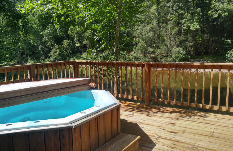 Etonnant Rental Hot Tub At Stay Waterfront   Cheat River Lodge U0026 Cabins.
