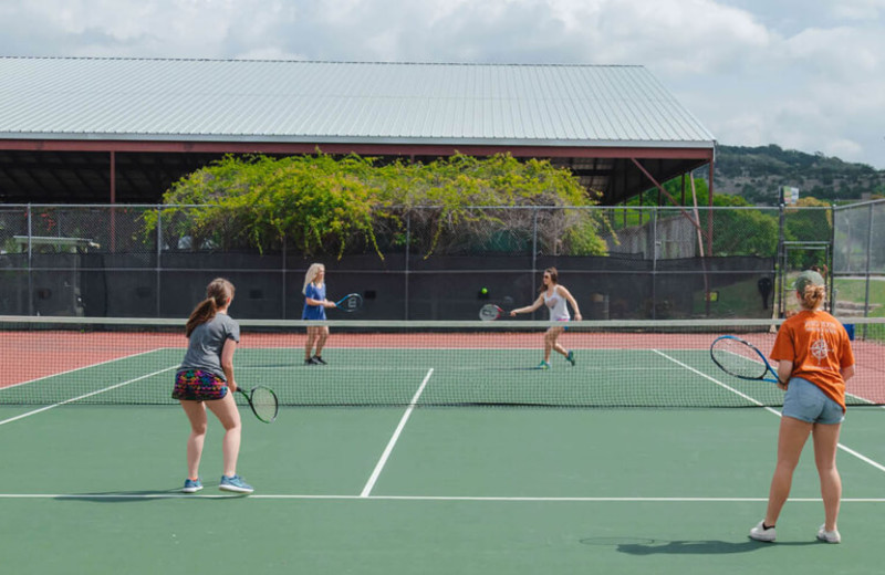 Tennis court at The Retreat at Balcones Springs.