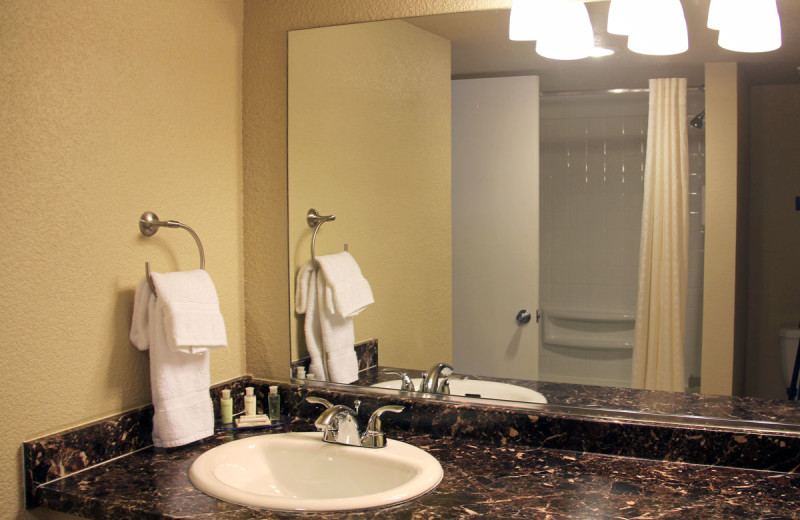 Guestroom bathroom at Inn at St. George.