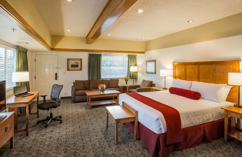 Guest room at Best Western Sonoma Valley Inn & Krug Event Center.
