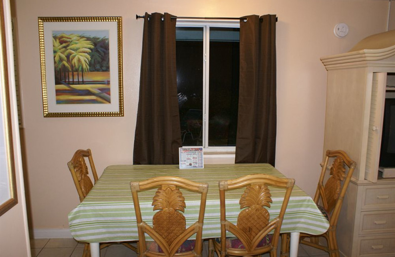 Guest room dining table at Daytona Shores Inn and Suites.