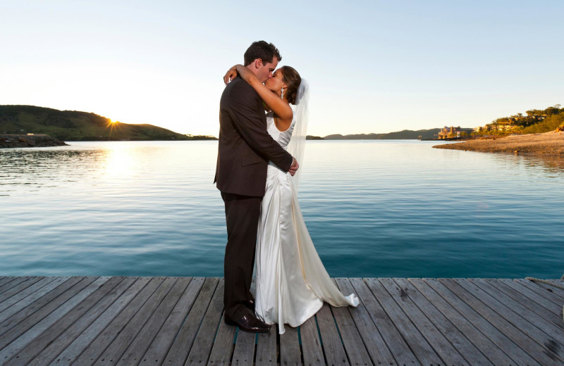 Wedding couple at Split Rock Resort & Golf Club.
