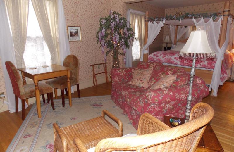 Guest room at Magic Door.