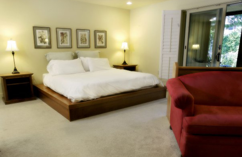 Guest room at Little Inn of Bayfield.