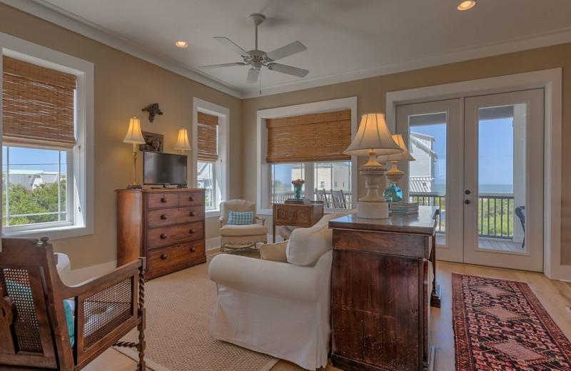 Rental living room at No Worries Vacation Rentals.