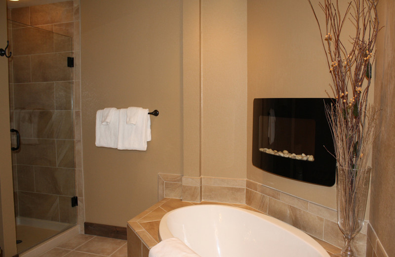 Guest bathroom at Cascade Village Condominiums.