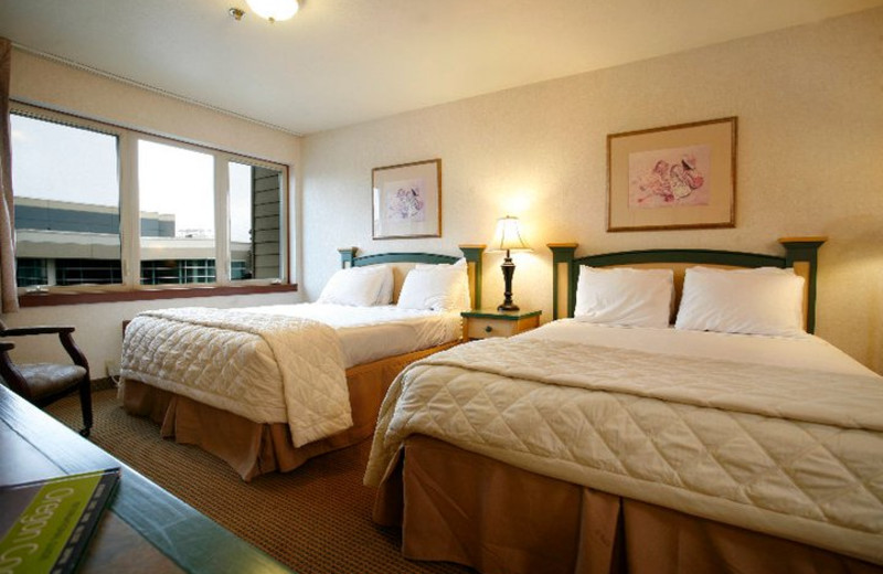 Two Bed Guest Room at Inn at Seaside