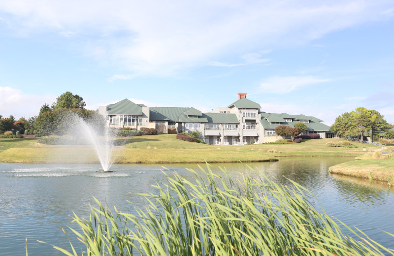Exterior view of Kingsmill Resort.