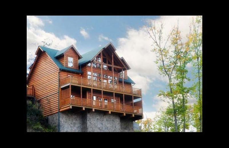 Cabin Exterior At Eden Crest Vacation Rentals, Inc.   Peek A View ...