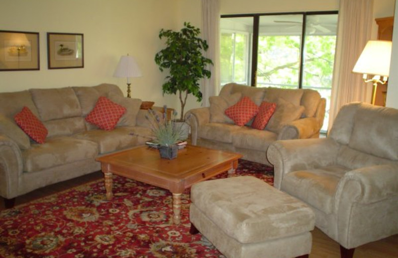 Guest living room at Woodson Bend Resort.