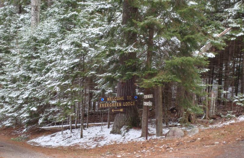 Evergreen Lodge sign.