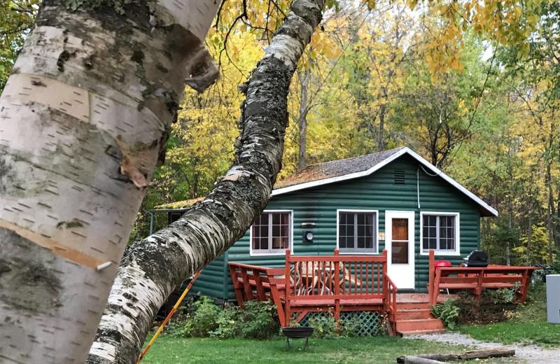 Cabin exterior at Grandview of Lake Kabetogama.