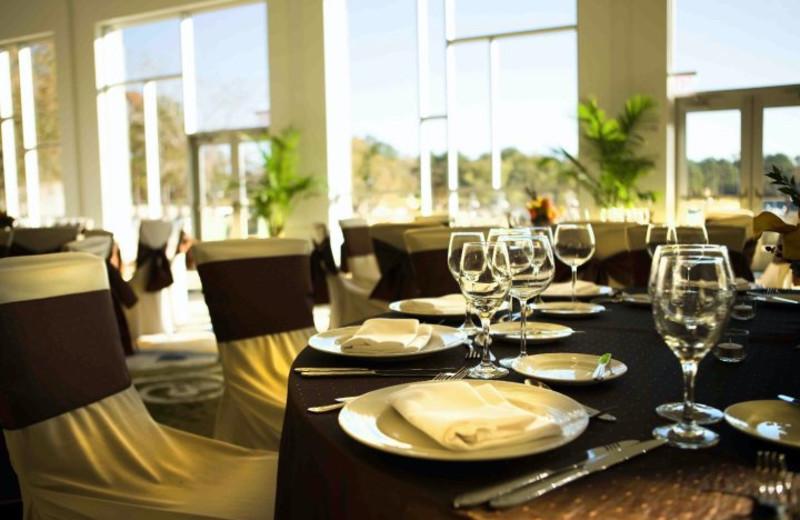 Dining area at La Torretta Lake Resort.