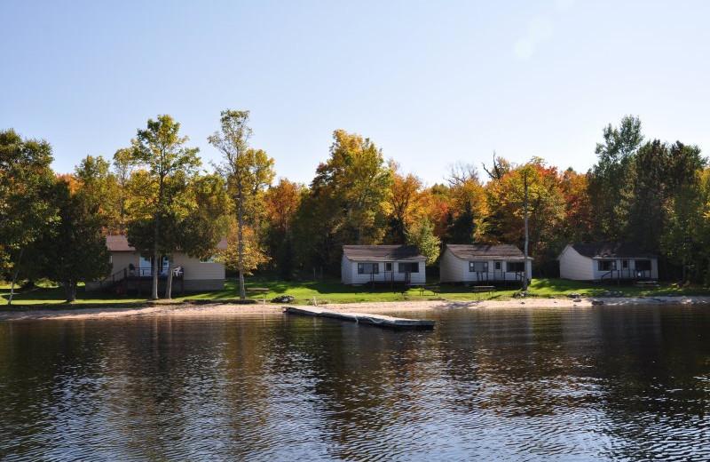 Lakeside Cottages at Okimot Lodge