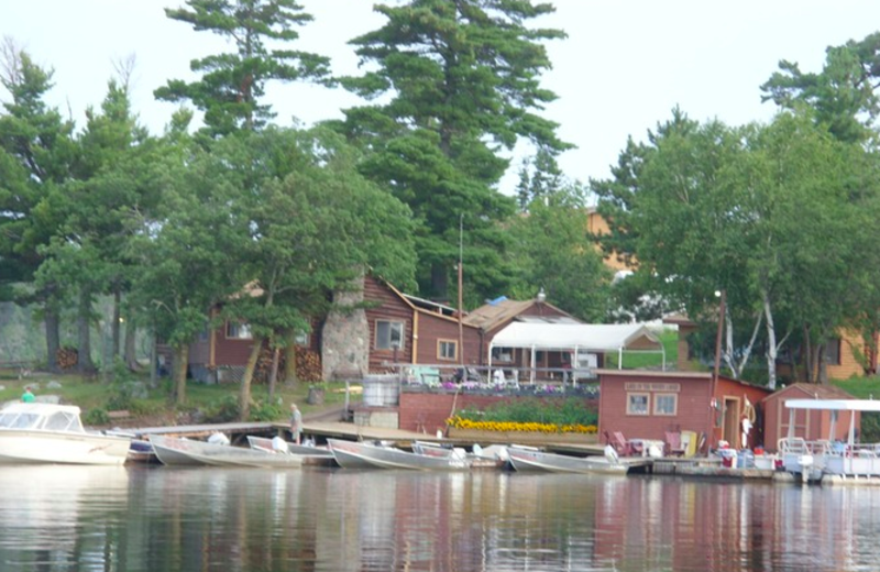 Exterior view of Lake Of The Woods Lodge.