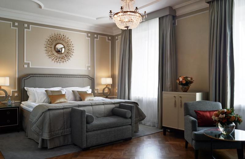 Guest room at Grand Hôtel.