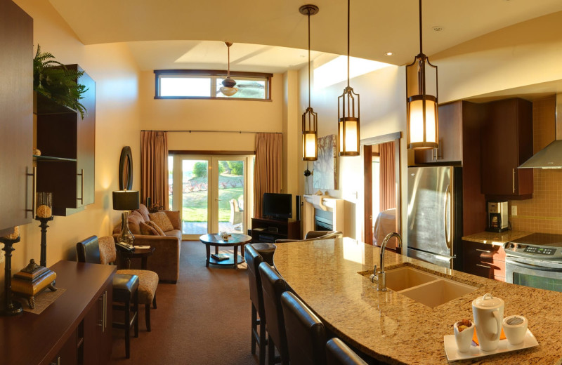 Guest villa at Sunrise Ridge Waterfront Resort.