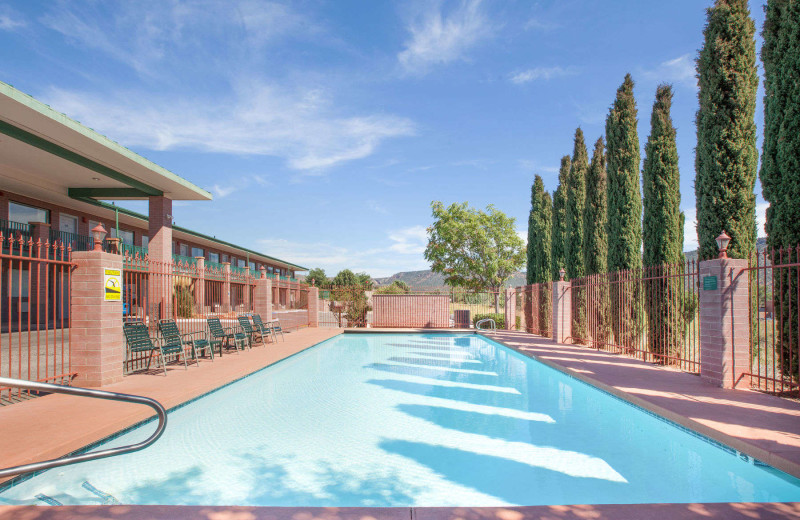 Outdoor pool at Kokopelli Inn.