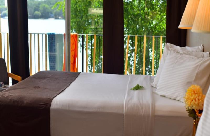 Guest bedroom at Delton Oaks Resort.