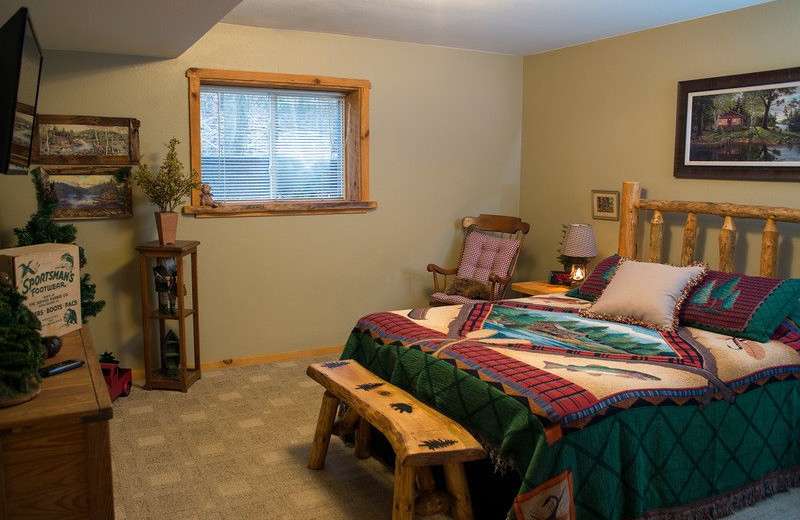 Sand County Service Company - Linken Log bedroom.