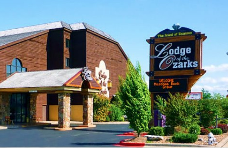 Exterior View of Lodge of the Ozarks
